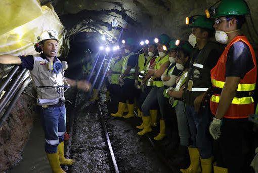 Estudiantes del Azuay conocieron buenas prácticas de empresa minera ecuatoriana