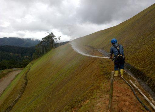 Moderno sistema de control de erosión se implementa en Zamora Chinchipe
