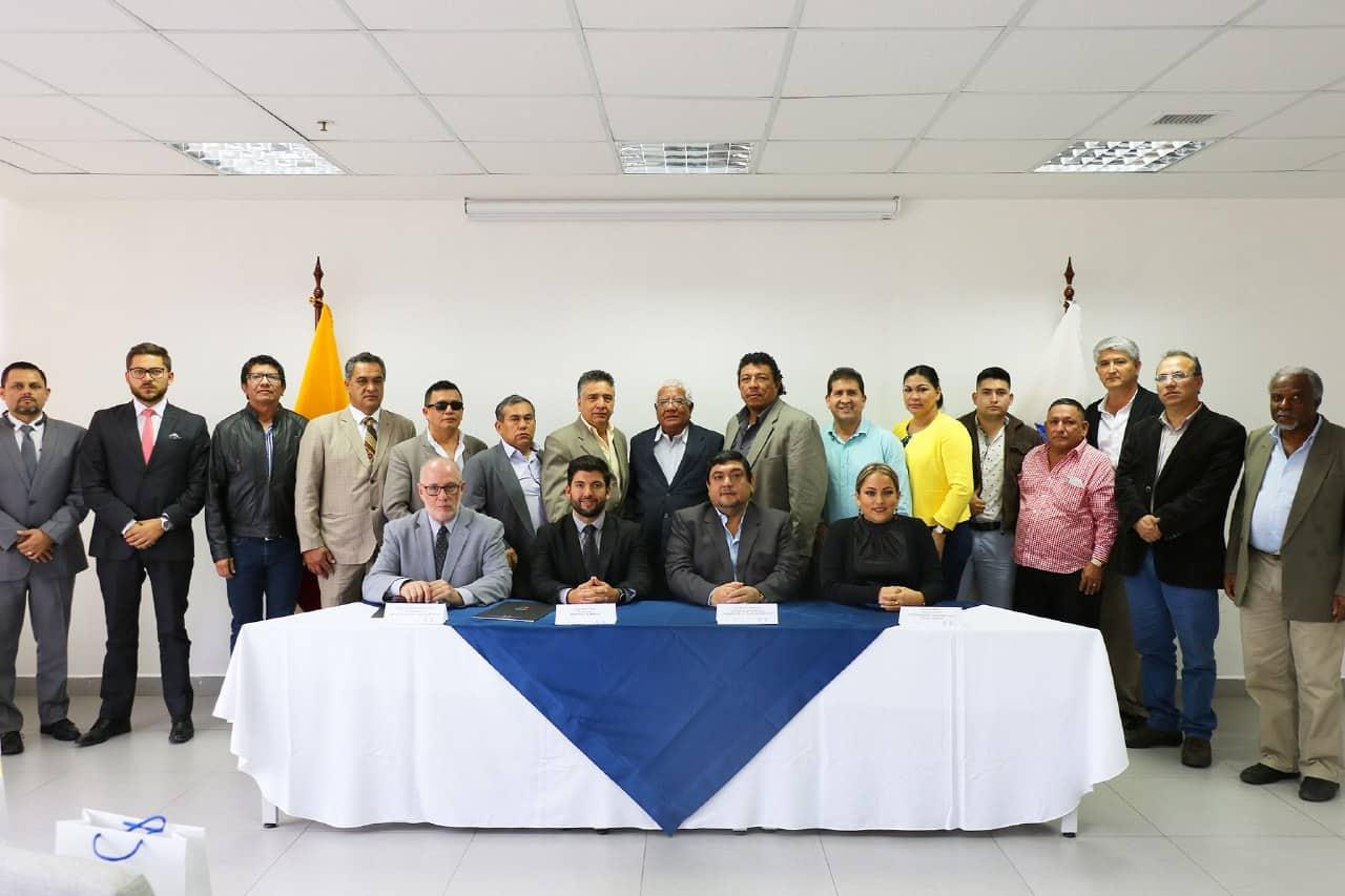 Se suscribió un Convenio de Cooperación para fortalecer la pequeña minería en Ecuador
