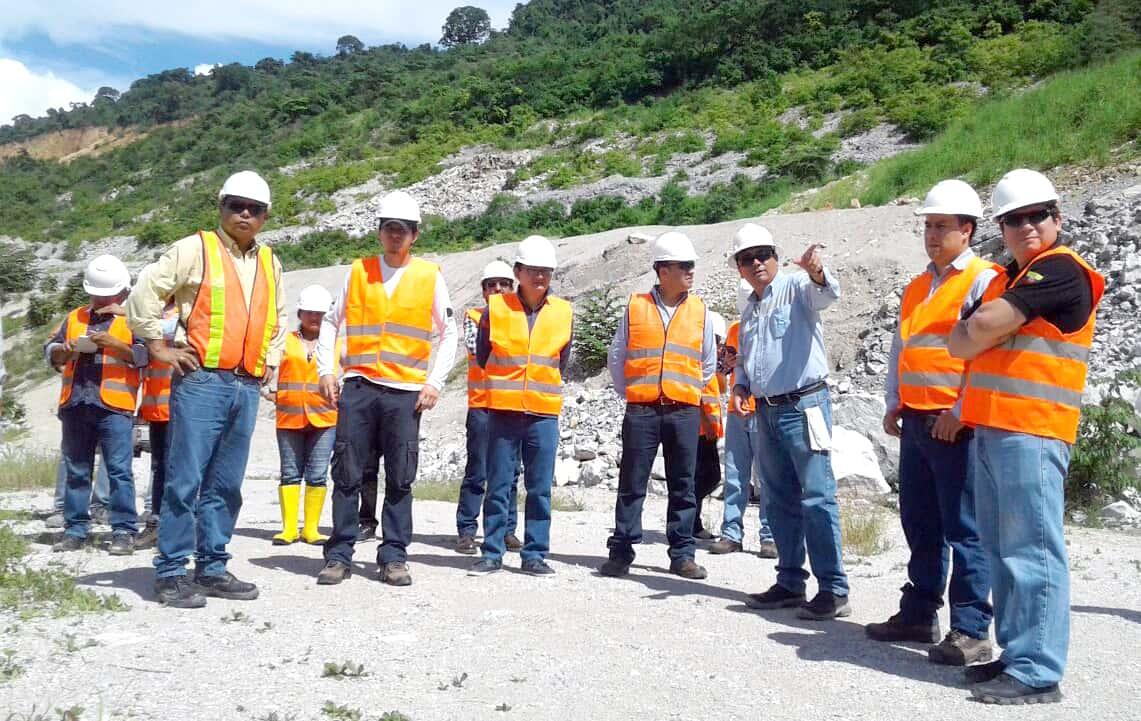 Líderes comunitarios de Tundayme visitaron mina de caliza a cielo abierto