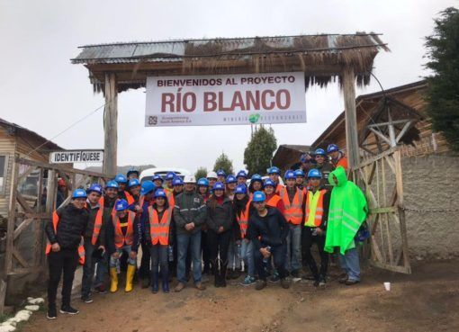 Proyecto minero Río Blanco recibió la visita de 30 estudiantes